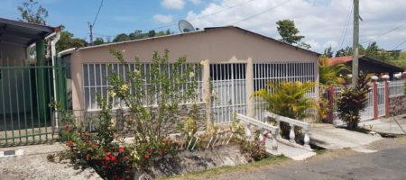 House in Panama City / Casa en la Ciudad de Panamá